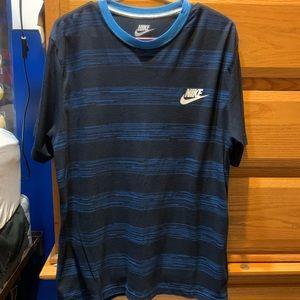 Men's Nike skate short sleeve shirt.